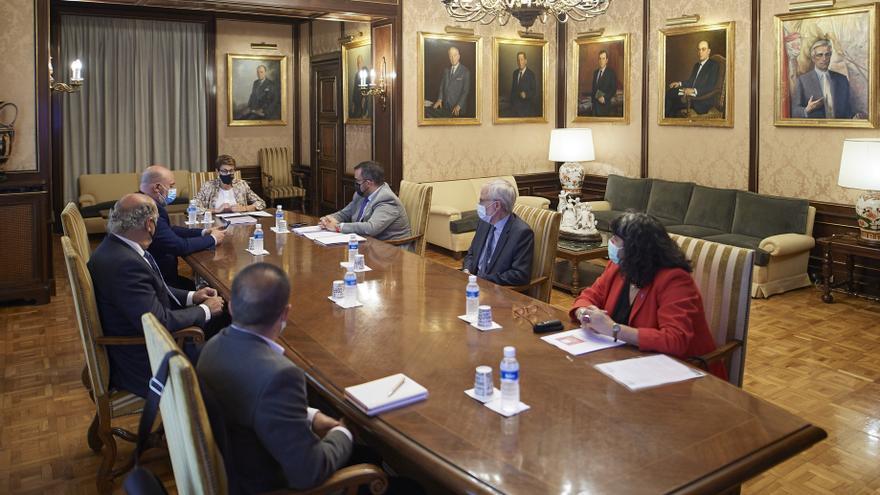 Imagen de la reunión interinstitucional presidida por la Presidenta Chivite.