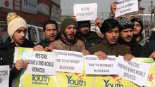 Cortar Internet durante grandes protestas se convierte en tendencia internacional: el caso de India es un precedente peligroso