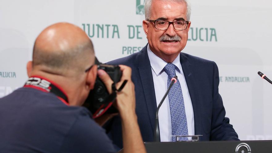"""Gobierno andaluz dice que lo importante es la """"unidad de acción"""" con diálogo frente al """"disparate"""" en Cataluña"""