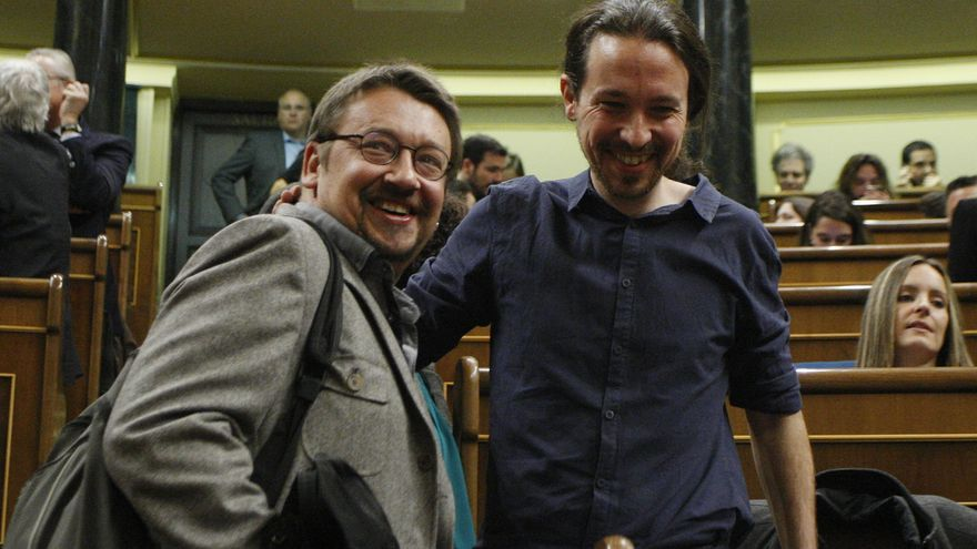 Pablo Iglesias y el portavoz de En Comú Podem, Xavi Domènech, en el Congreso
