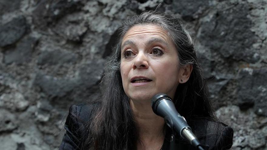 La mexicana Carmen Boullosa fabula la novela que pudo escribir Ana Karenina