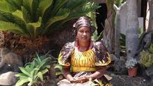 Hawa Taoré, activista mauritana que lucha por erradicar la mutilación genital femenina.