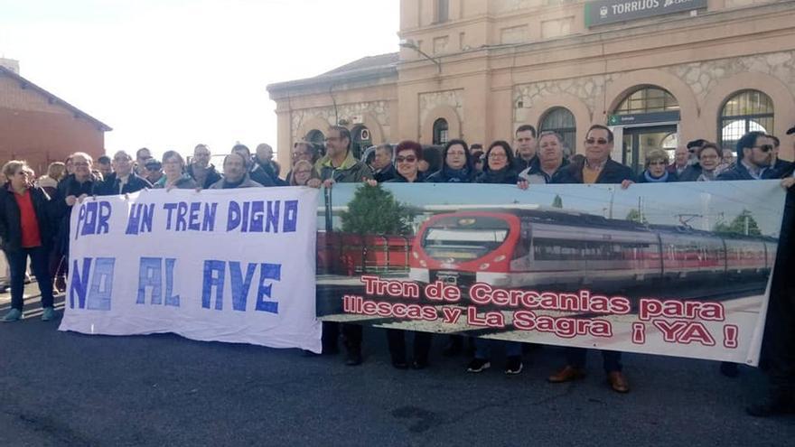 Concentración por el Tren en Torrijos