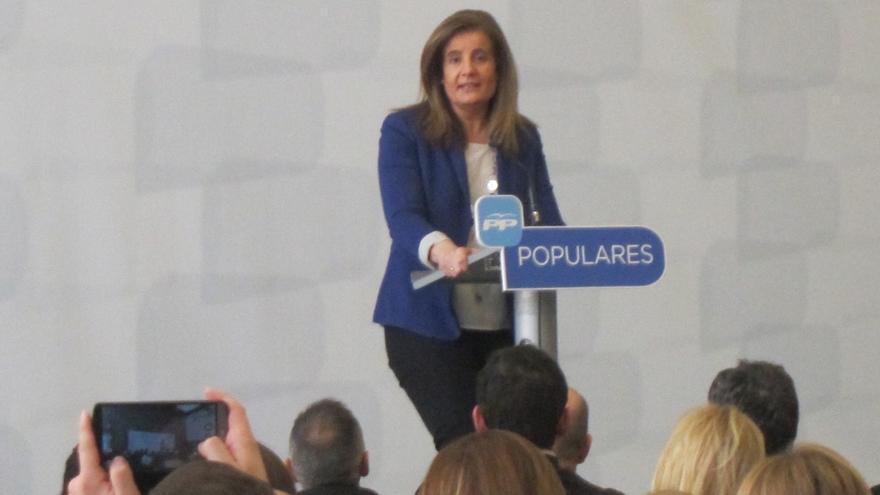 Báñez dice que el Gobierno ha sacado a España de la crisis manteniendo la cohesión social