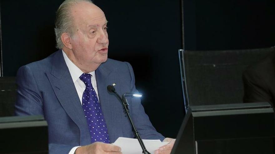 El rey Juan Carlos anuncia su retirada de la vida pública desde el 2 de junio