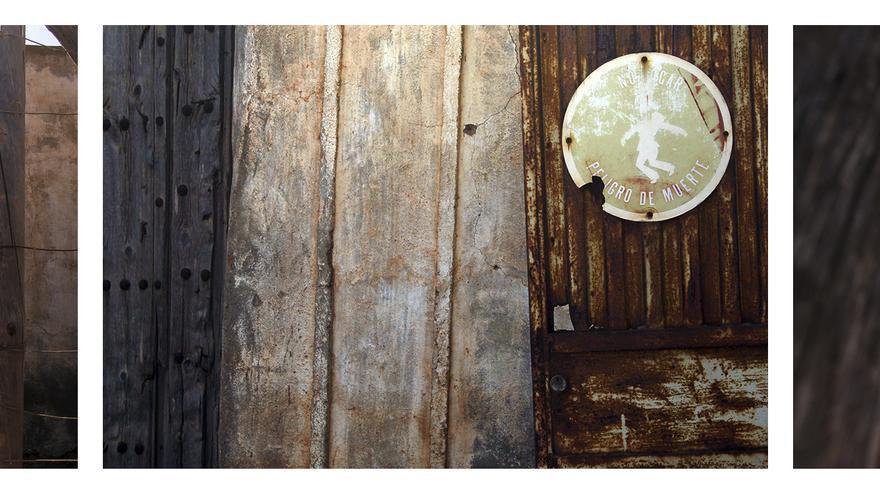 La hacienda, medio deshecha en mitad del desierto. / JUAN MIGUEL BAQUERO
