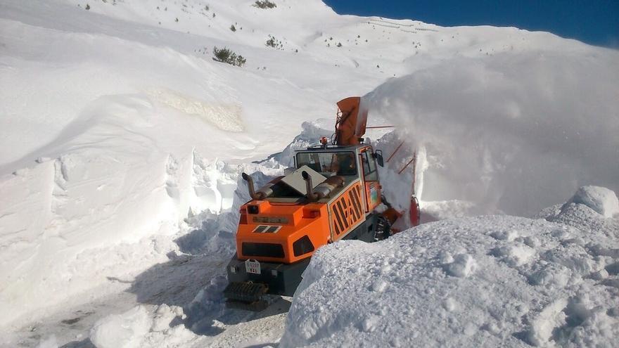 Abierta la carretera del Puerto de Belagua (NA-137), si bien es necesario circular con precaución por riesgo de hielo