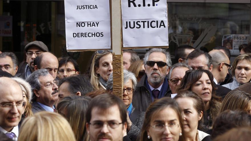 Victoria lamenta la imagen que están dando los abogados de Madrid