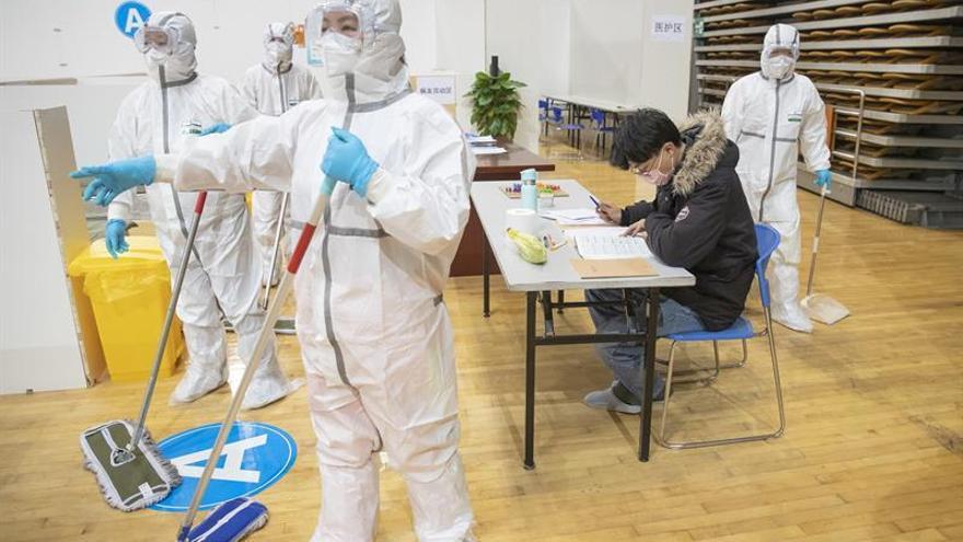 China eleva a 1.523 los muertos por el COVID-19