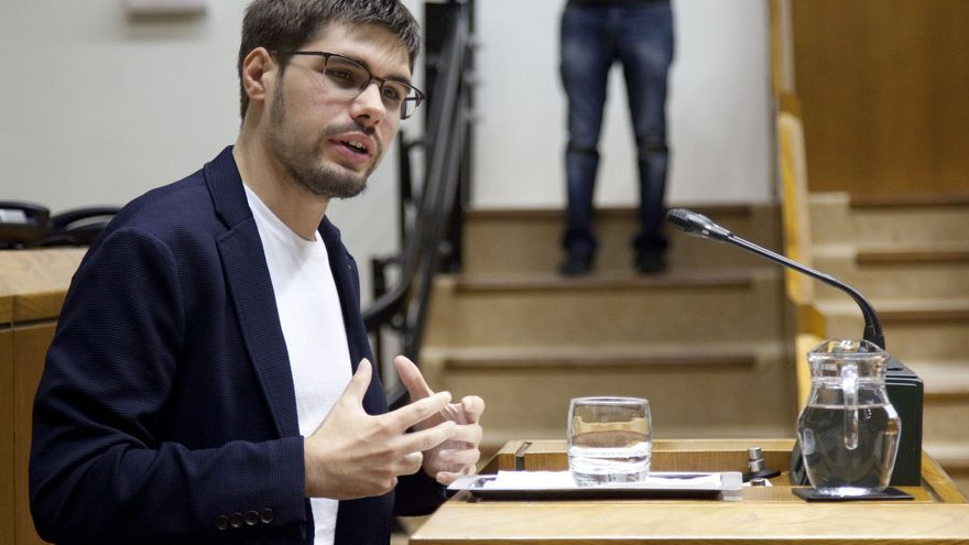 Lander Martínez (Elkarrekin Podemos) en el pleno de política general