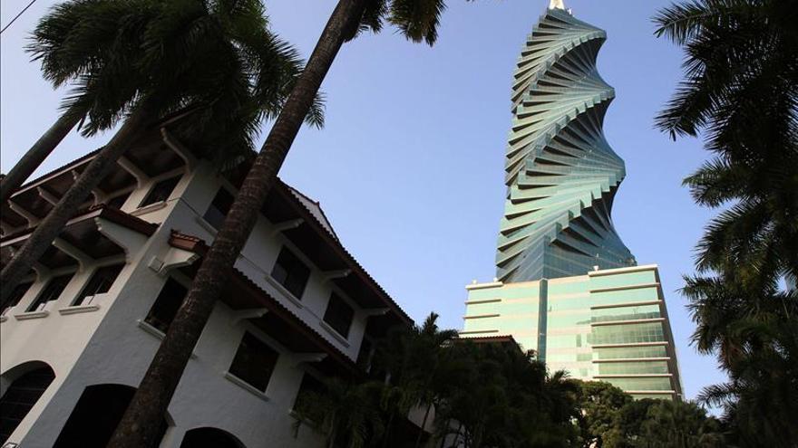 """El """"Tornillo"""", un referente de contrastes en la modernidad urbana de Panamá"""