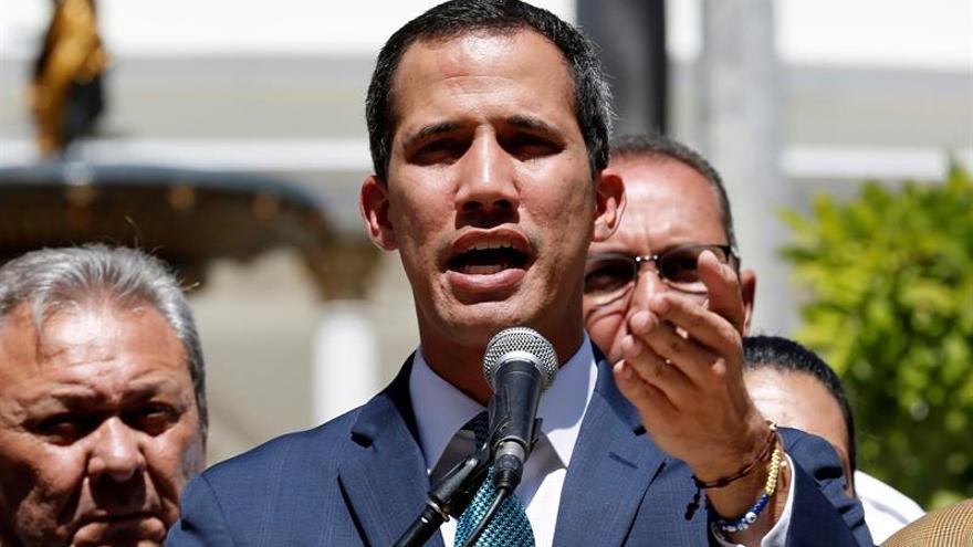 """Guaidó dice que """"en los próximos días"""" comenzará a ingresar la ayuda humanitaria"""