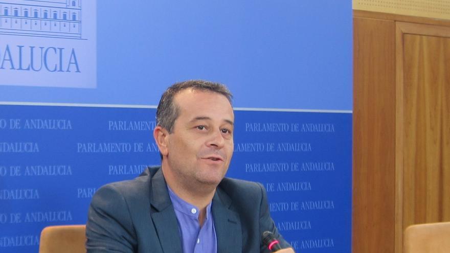 """El portavoz de IU en el Parlamento andaluz acusa al socialista Viera de haber ideado el """"proceso opaco"""" de los ERE"""