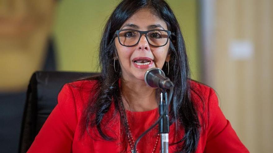 """Venezuela dice que """"gobiernos de derecha"""" promueven una intervención en el país"""