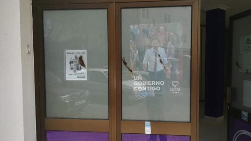 La sede de Podemos en Arucas, Gran Canaria, atacada con excrementos