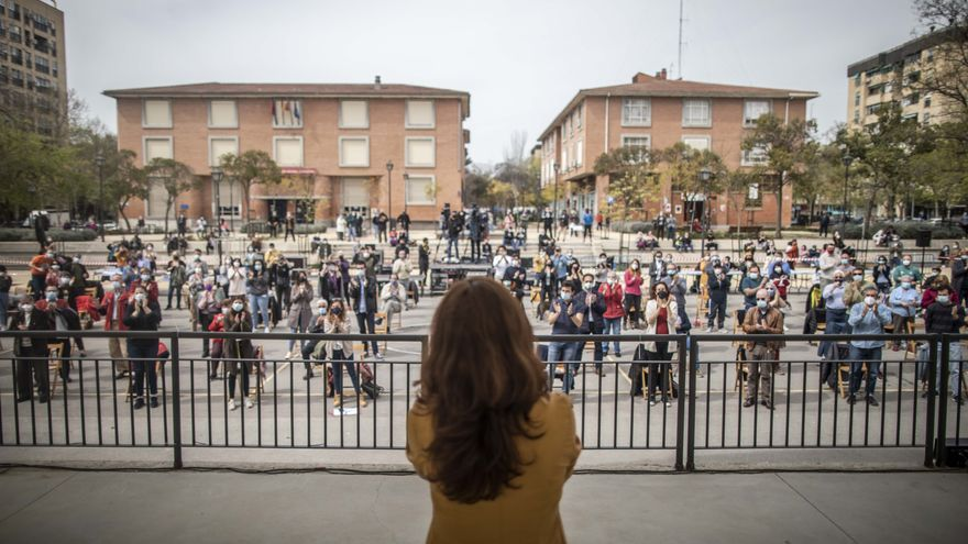 La candidata de Más Madrid al 4M, Mónica García, en Orcasitas