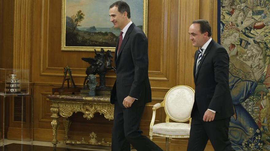 El presidente de UPN invita al Rey a visitar Navarra