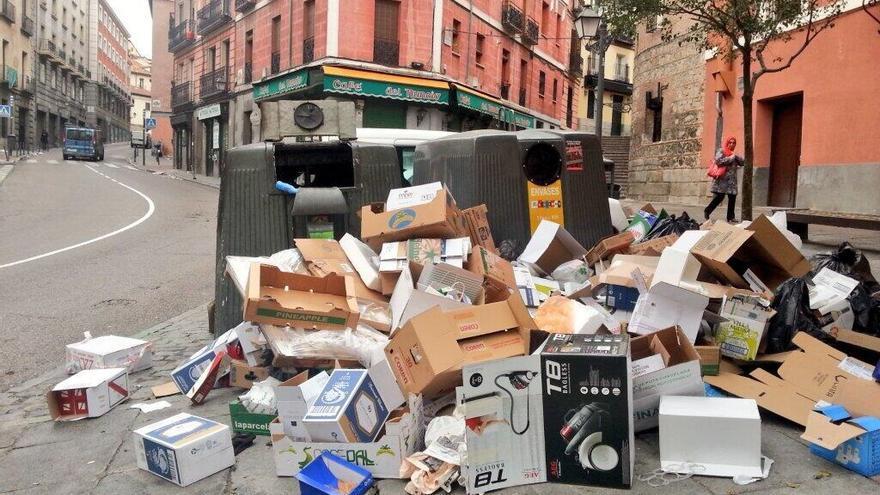 Huelga de los operarios de limpieza en Madrid. \ @fanetin