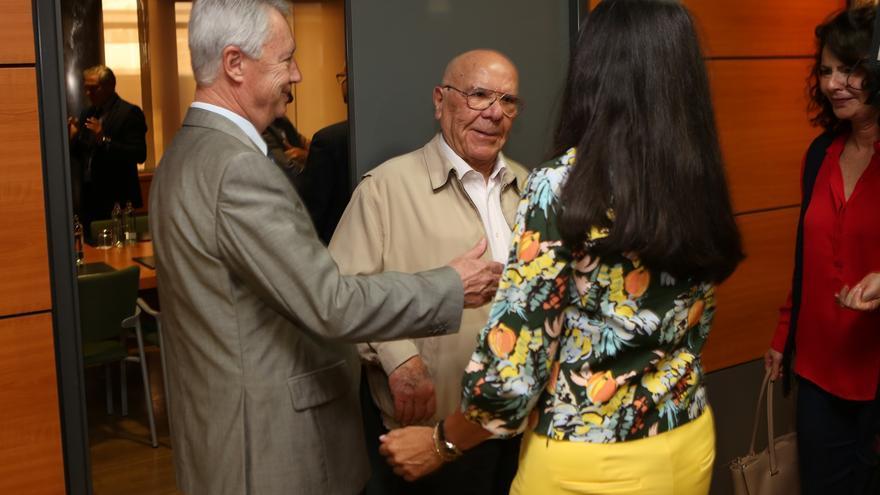 Reunión de María del Carmen Hernández Bento en la Cámara de Comercio. (Alejandro Ramos)