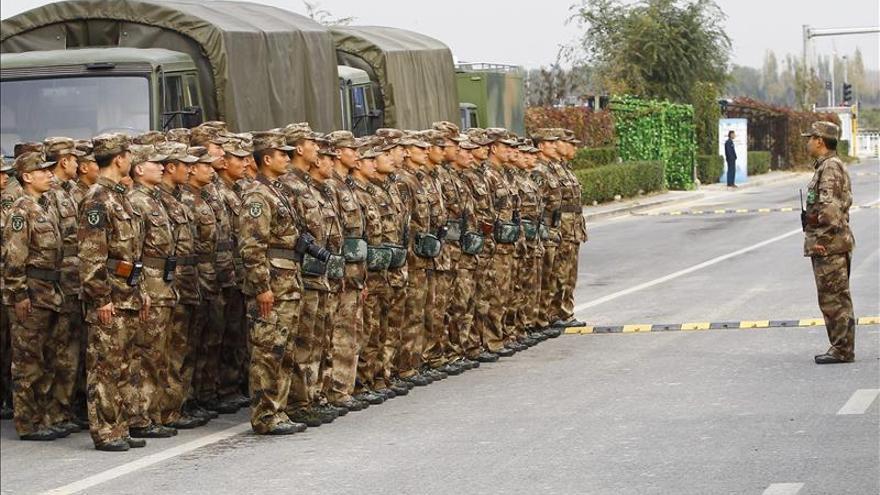 Xinjiang planea contratar 3.000 exsoldados para mantener la seguridad