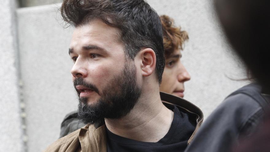 Fiscalía denuncia a un vecino de Motril por tuits vejatorios a Gabriel Rufián y Pablo Iglesias