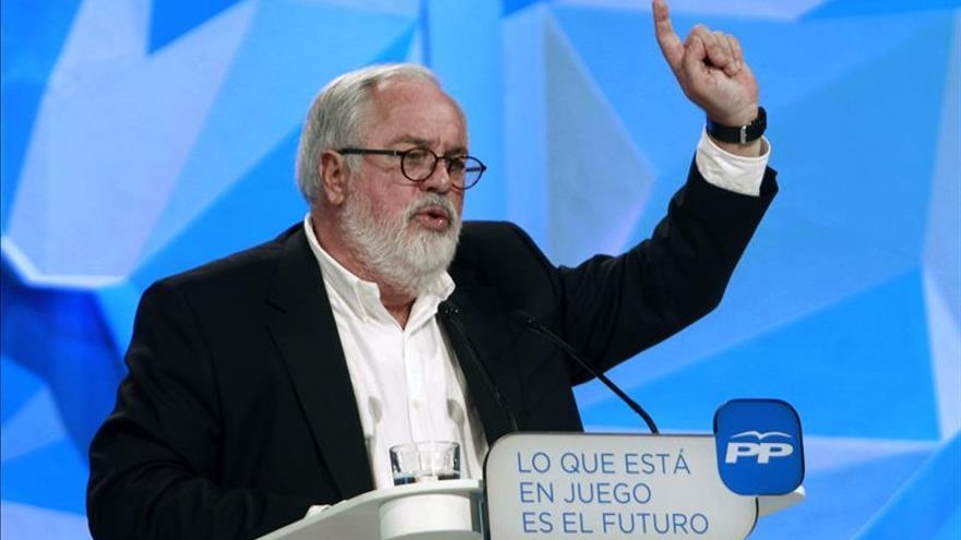 """Cañete llama movilizarse contra los """"cánticos separatistas instalados en el pasado"""""""