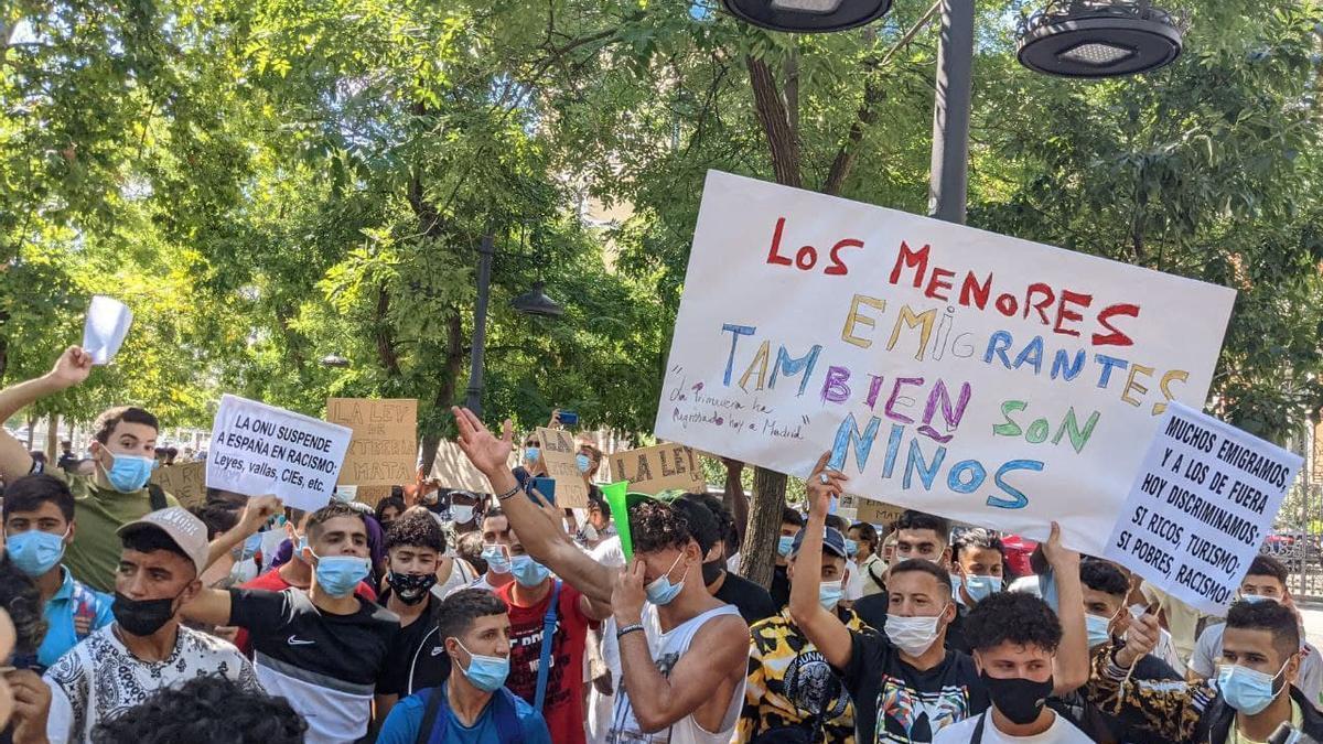 Concentración en Madrid para pedir el desbloqueo de la reforma del reglamento de Extranjería