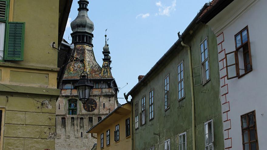 Torre del Reloj y casas del casco histórico de Sighisoara. Enmanuel Dyan