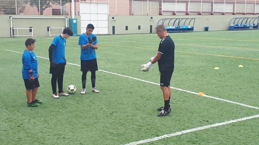 Imagen del entrenamiento llevado a cabo en el campo Quiquirá de La Orotava.