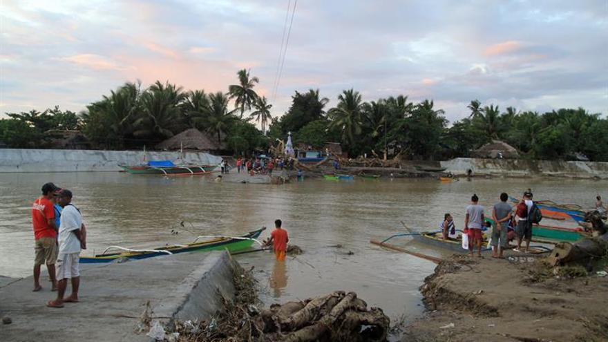 Aumentan a 85 los muertos y 20 los desaparecidos por la tormenta Usman en Filipinas