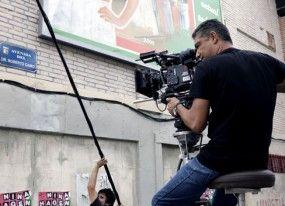 TVE rueda lo nuevo de 'Cuéntame' en Murcia y dedica una calle a 'Desi' Roberto Cairo
