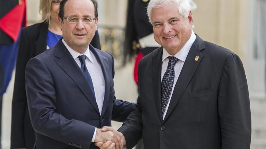 Hollande asegura a Martinelli que Panamá no figura como paraíso fiscal