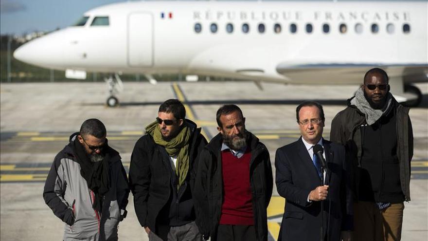 Exrehén francés denuncia a Francia y a la empresa Areva por su secuestro en Níger