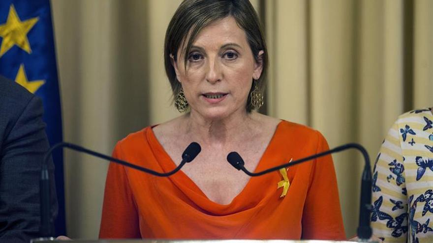 Presidenta del Parlamento catalán dice que no permitirán las medidas de Rajoy