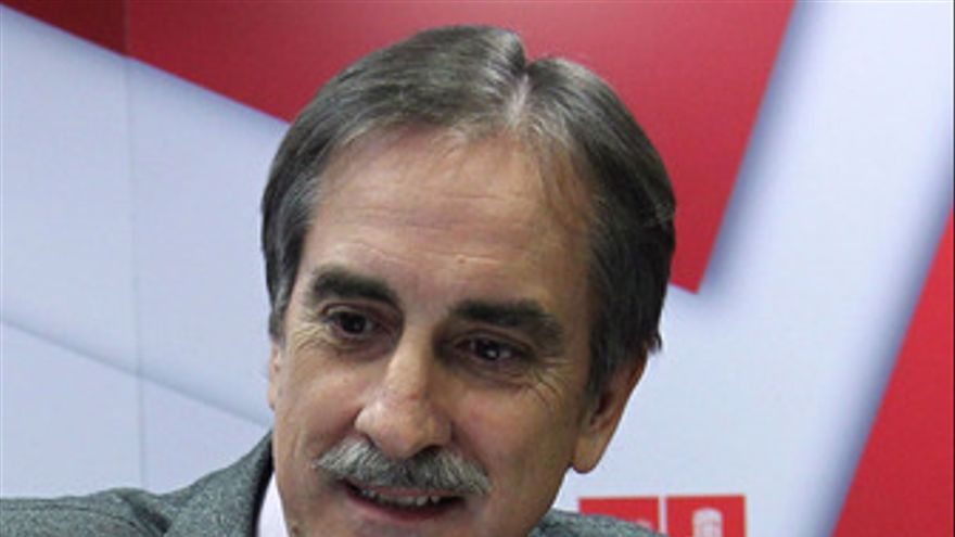 Valeriano Gómez, ministro de Trabajo.