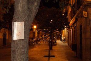 Árbol apadrinando un poema