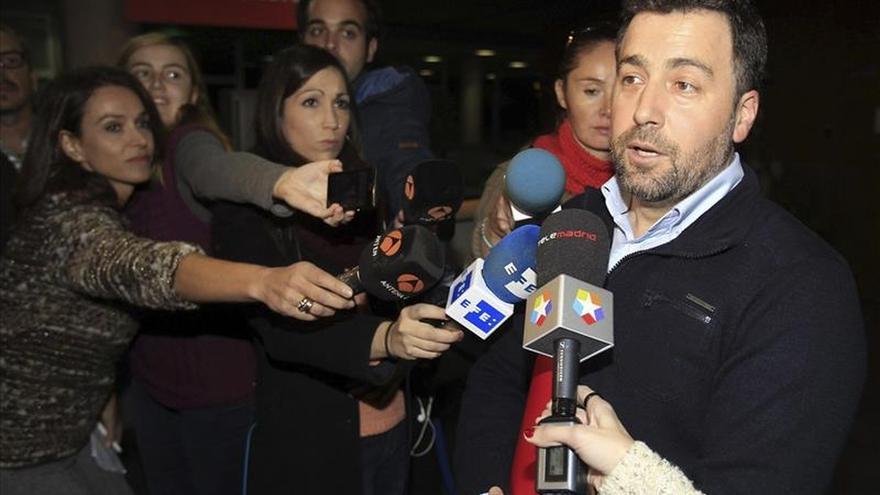 El alcalde de Rivas rechaza dimitir de momento tras declarar como imputado