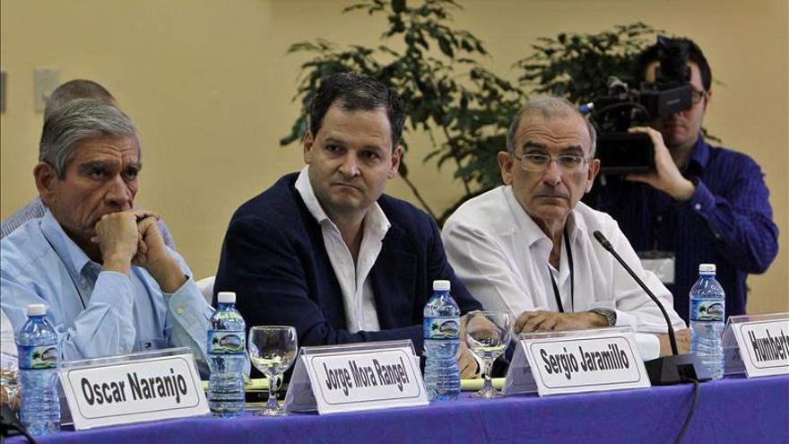 Académicos colombianos difieren sobre la legitimidad de la lucha armada de las FARC
