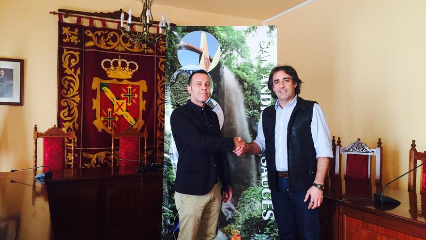 Francisco Paz (i) con el responsable de Verimax Telecom.