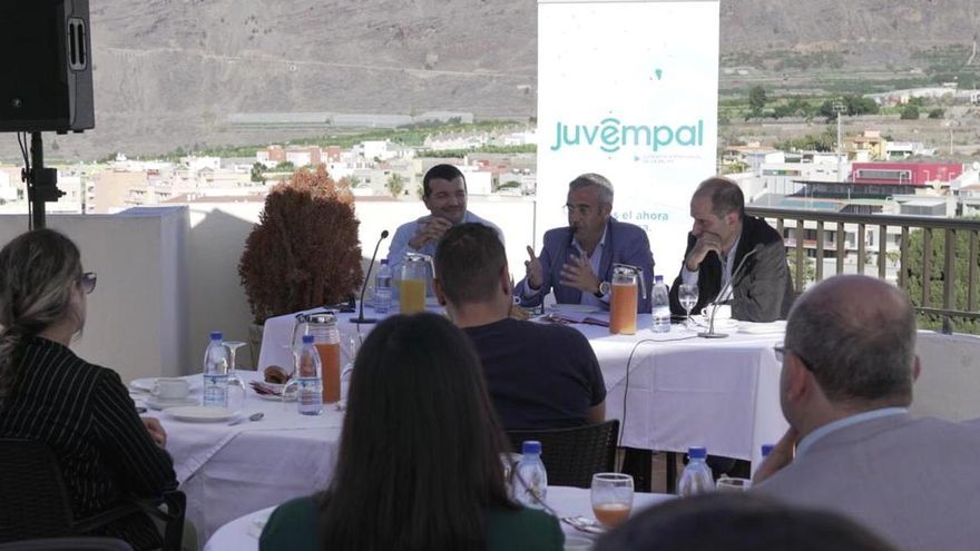 Intervención de Sergio Matos en el desayuno con Juvempal.