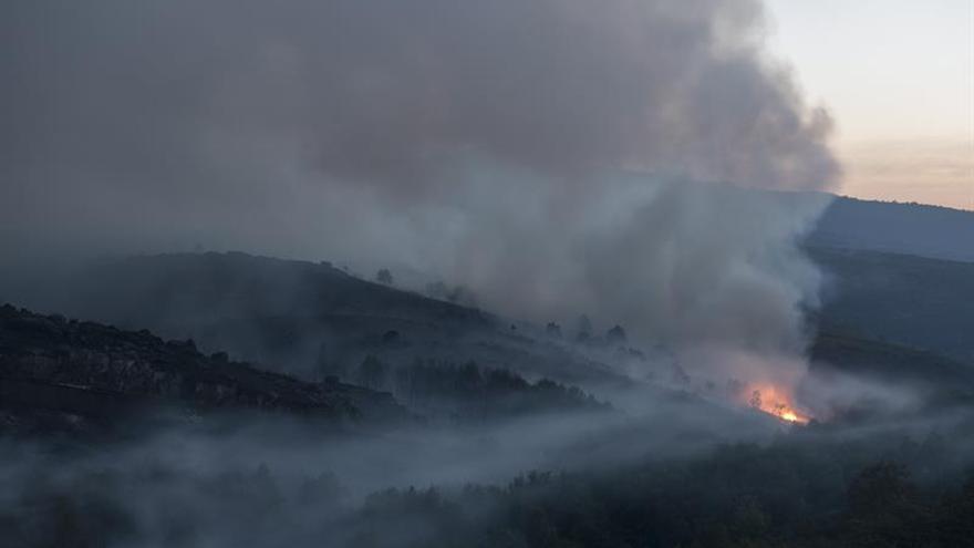 Declarado un incendio cerca de San Martín de Trevejo, en Sierra de Gata