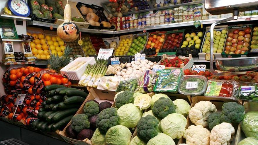Los precios de alimentos bajan levemente en abril por el empuje de la oferta