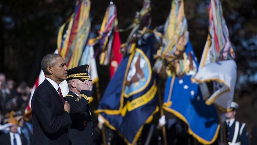 Obama honra a los excombatientes y pide al Congreso mejorar su salud y educación