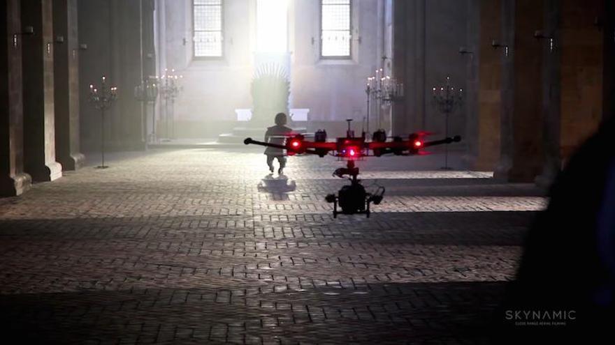 Making of de 'Juego de tronos' en el que se puede ver a Tyrion siendo grabado por un drone