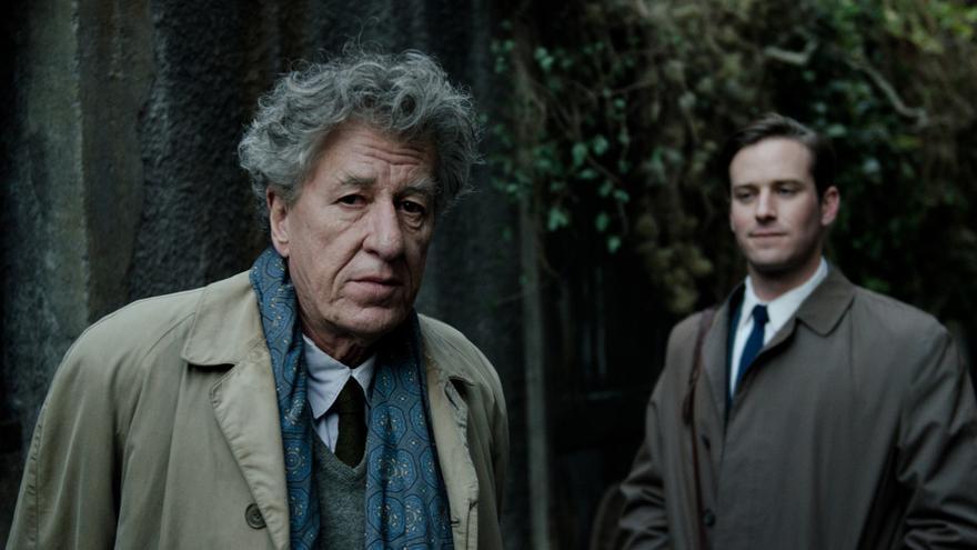 Geoffrey Ruch (i) como Alberto Giacometti y Armie Hammer (d) como James Lord en 'Final portrait'