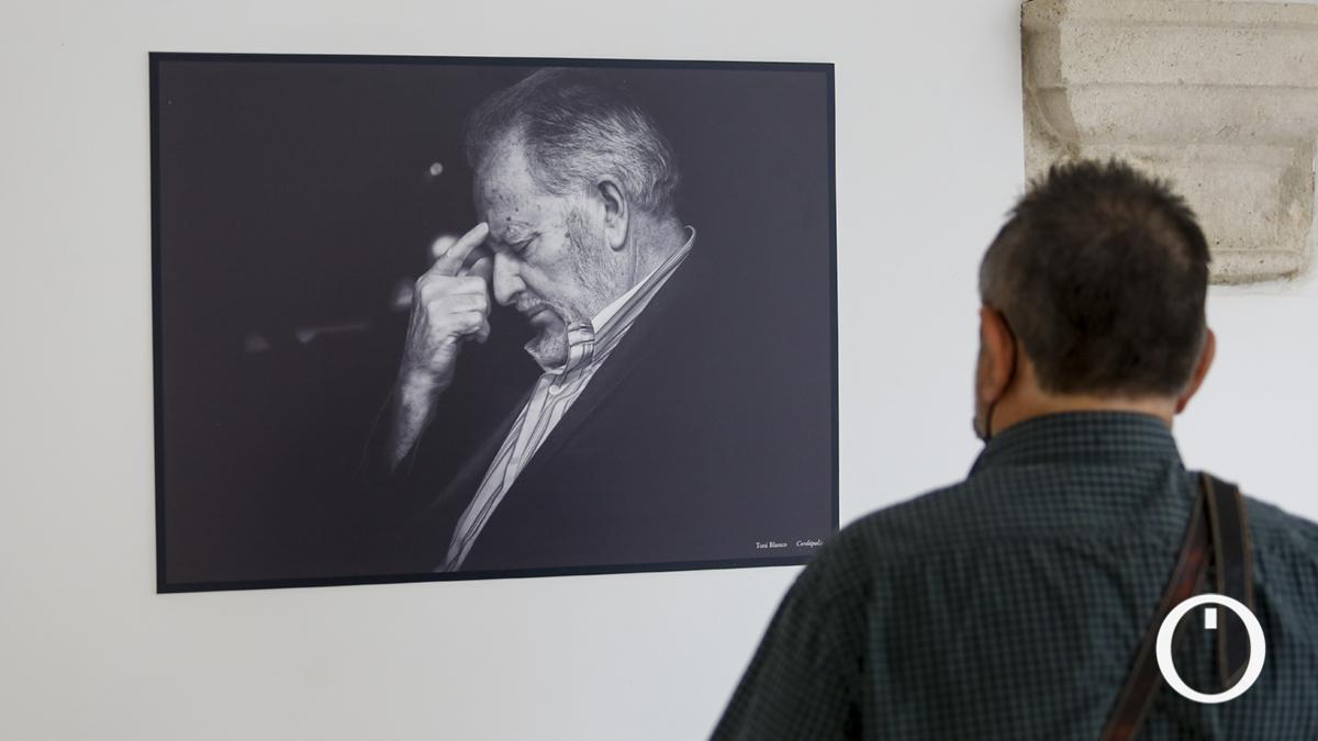 Exposición fotográfica sobre Julio Anguita