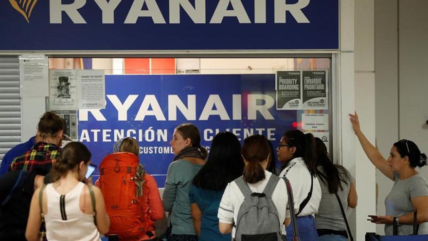 """Ryanair concede un """"periodo de gracia"""" para aplicar la nueva política de equipajes"""