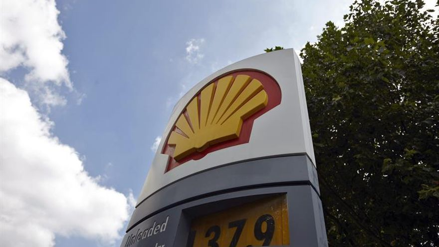 El beneficio de Shell baja el 80 % por la caída de los precios del petróleo