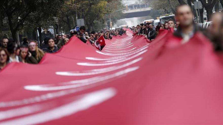 """Turquía califica de """"inaceptables"""" las críticas de la UE a Erdogan"""
