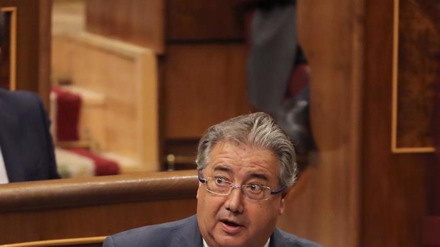 El PSOE pide ya explicaciones a Zoido por las cargas policiales del 1-O